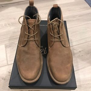 Penguin leather boot with contrast stitching